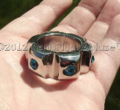 KNUCKLED™ GLANS RING WITH TURQUOISE SWAROVSKI CRYSTALS